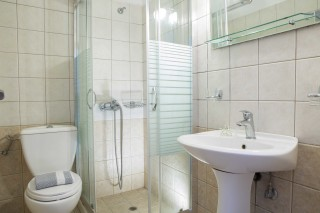 Two-room Apartment libre bathroom