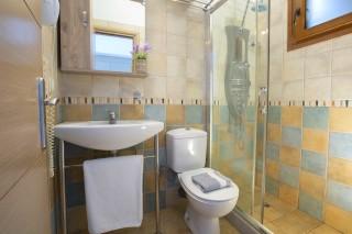 studio 2 libre bathroom