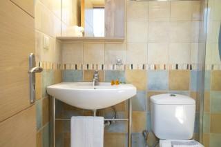 studio 2 libre bathroom amenities