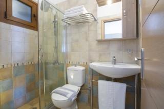 studio 3 libre bathroom